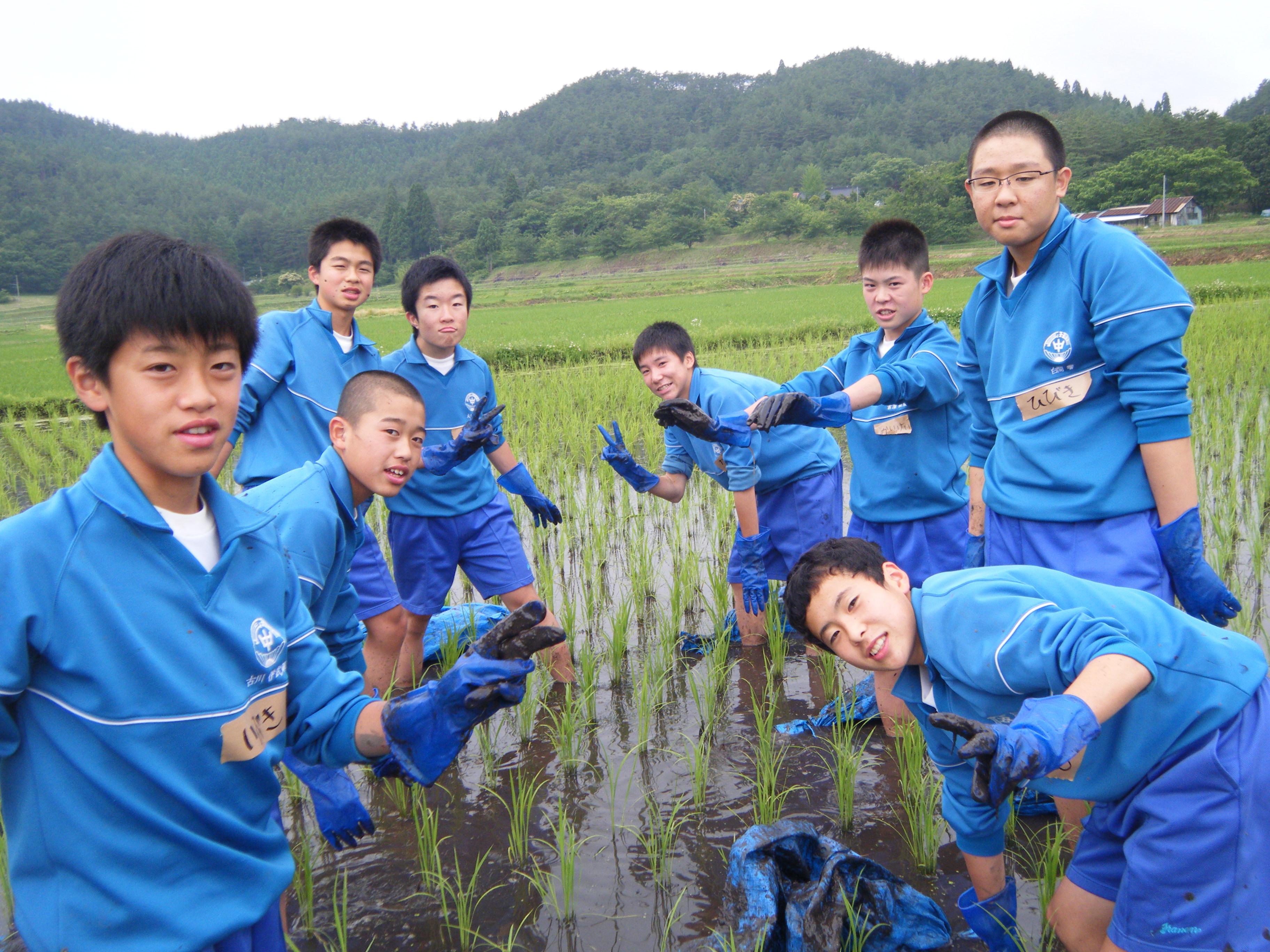農作業体験に来てくれた、県内の中学生